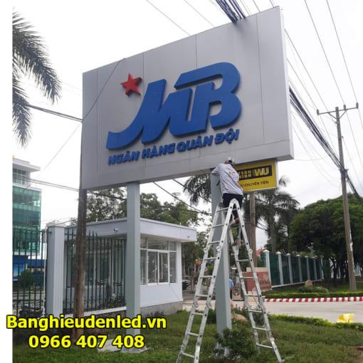 thi-cong-pano-ngoai-troi-banghieudenled.vn-4